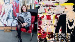 Kirstin Dabelstein - Künstlerin vor Werk mit nackter Frau, rechte Seite Chanel mit Frau - Kappich & Piel Werkstattgalerie Hamburg